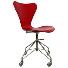 Mid-Century Modern Arne Jacobsen Fritz Hansen Danish Chair Model 3117 1950s Red