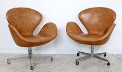 Mid Century Modern Arne Jacobsen Frtiz Hansen Pair Swivel Leather Swan Chairs