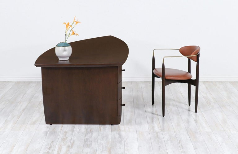 American Mid-Century Modern Asymmetrical Executive Desk after Wendell Castle For Sale