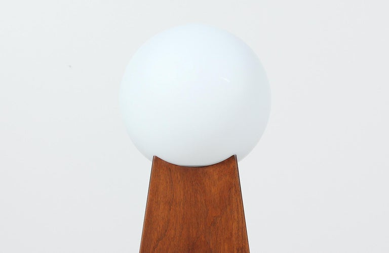 Mid-Century Modern Asymmetrical Table Lamps with Frosted Globes For Sale 1