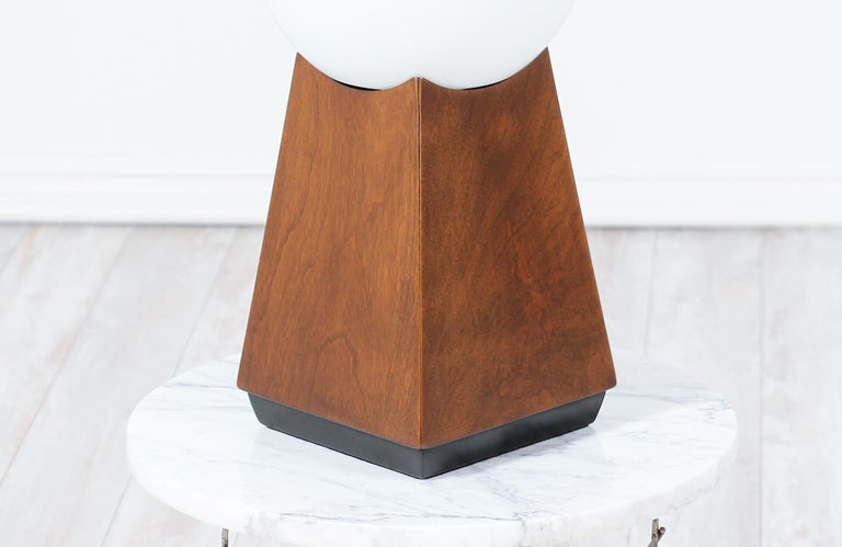 Mid-Century Modern Asymmetrical Table Lamps with Frosted Globes For Sale 2