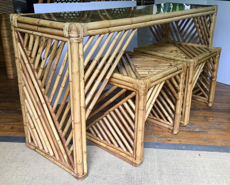 Mid-Century Modern Bamboo Rattan Fretwork Console Table with Stool Ottomans In Good Condition For Sale In Lambertville, NJ