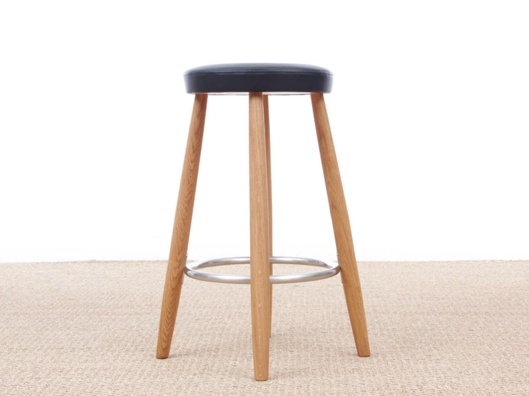 Mid-Century Modern Bar Stool CH 56 by Hans Wegner, New Edition In Good Condition For Sale In Courbevoie, FR
