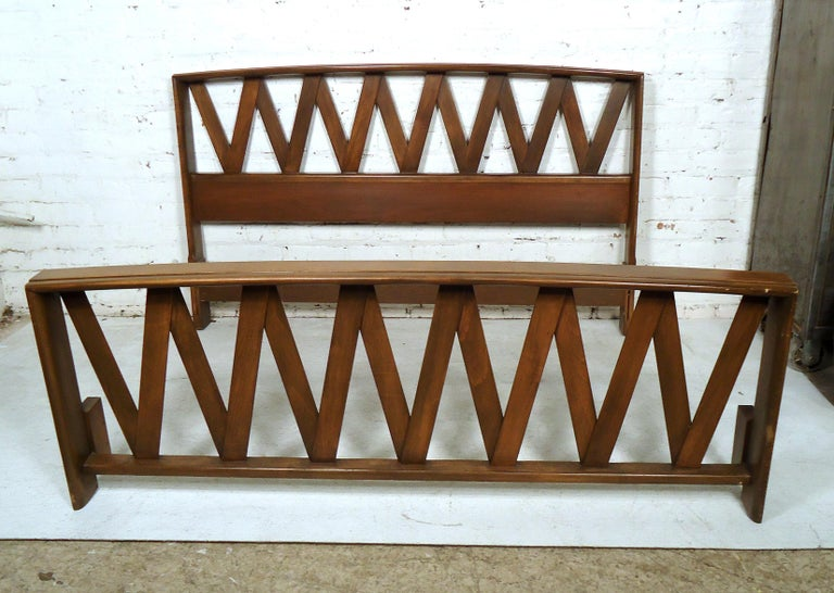 Mid-20th Century Mid-Century Modern Bed by Paul Frankl For Sale