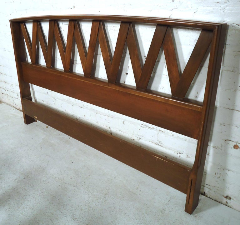 Walnut Mid-Century Modern Bed by Paul Frankl For Sale