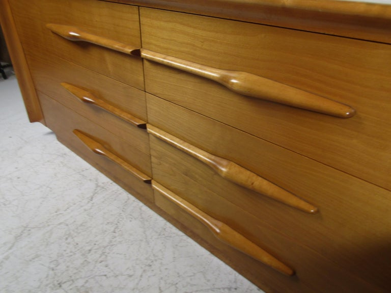 Mid-Century Modern Bedroom Set by Edmund Spence For Sale 3