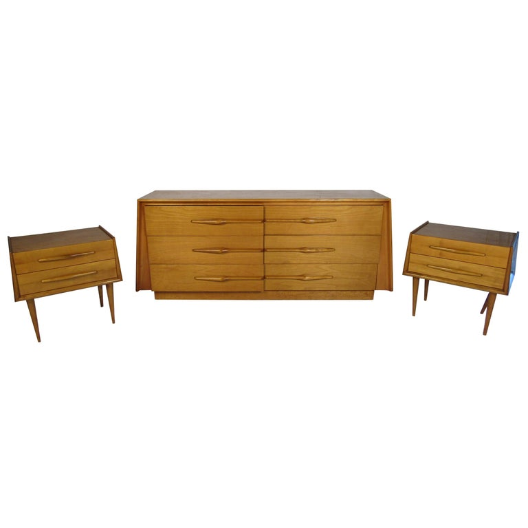 Mid-Century Modern Bedroom Set by Edmund Spence For Sale