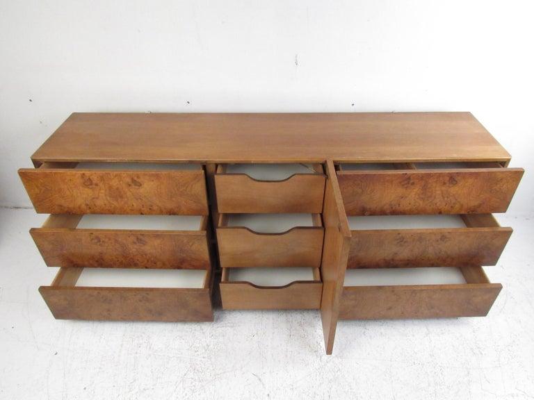 Burl Mid-Century Modern Bedroom Set by Lane Furniture For Sale