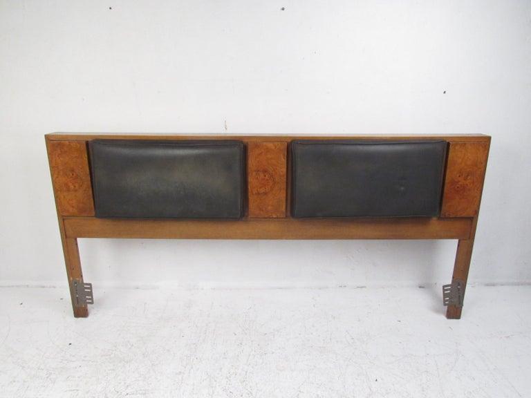 Mid-Century Modern Bedroom Set by Lane Furniture For Sale 3