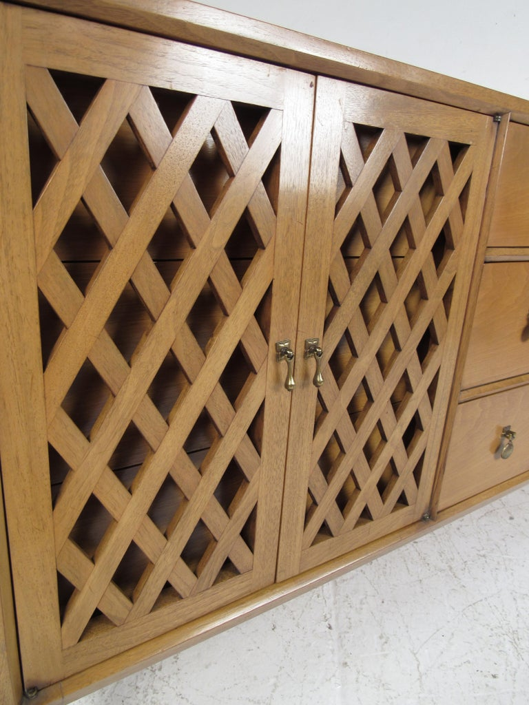 Mid-Century Modern Bedroom Set by Mount Airy For Sale 10