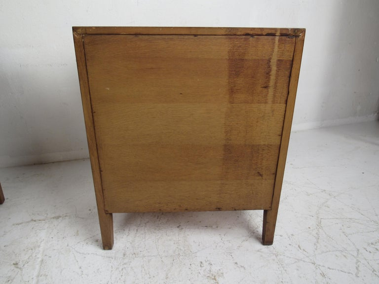 Mid-Century Modern Bedroom Set by Mount Airy For Sale 13