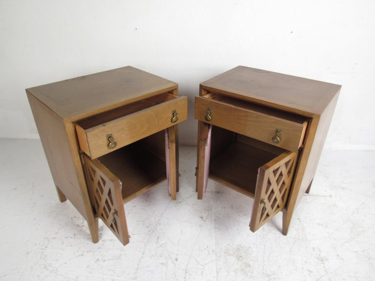 Mid-Century Modern Bedroom Set by Mount Airy For Sale 1