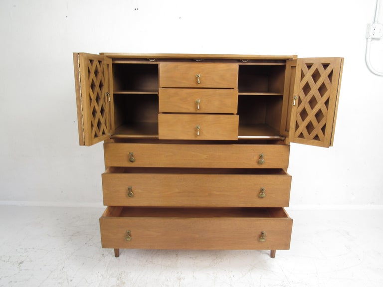 Mid-Century Modern Bedroom Set by Mount Airy For Sale 2