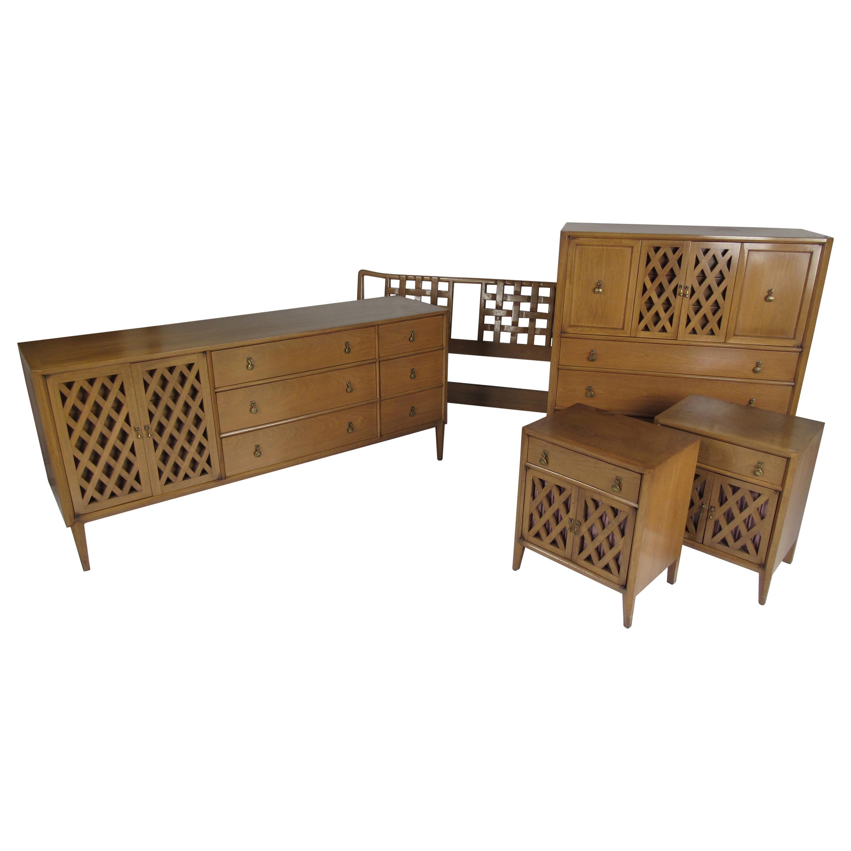 Mid-Century Modern Bedroom Furniture - 1,622 For Sale at 1stdibs