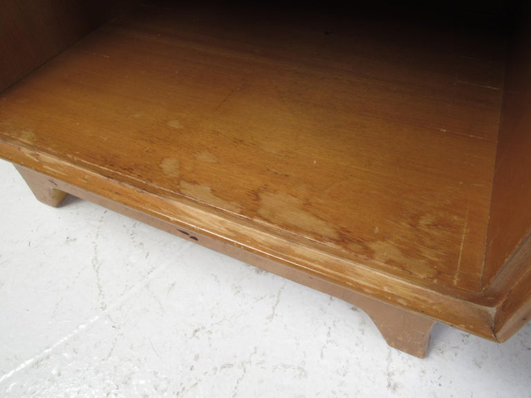 Mid-Century Modern Bedroom Suite by R-Way For Sale 8