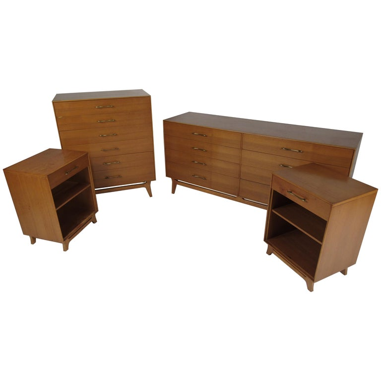 Mid-Century Modern Bedroom Suite by R-Way For Sale