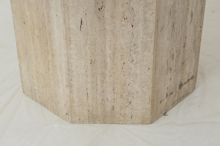 Mid-Century Modern Beige Travertine Round Dining Table, Center Table or Gueridon For Sale 2