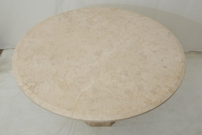 Mid-Century Modern Beige Travertine Round Dining Table, Center Table or Gueridon For Sale 3