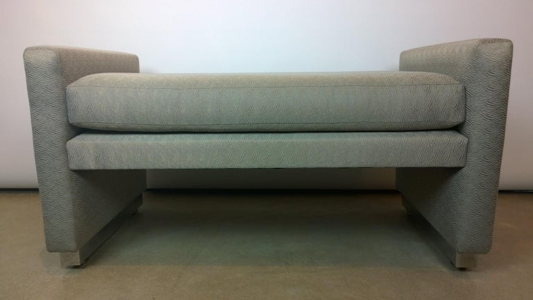 Mid-Century Modern Milo Baughman Newly Upholstered Bench with Chrome Base In Good Condition For Sale In Houston, TX