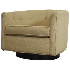 Mid-Century Modern Bernhardt Milo Baughman Style Swivel Rocker Club Chair