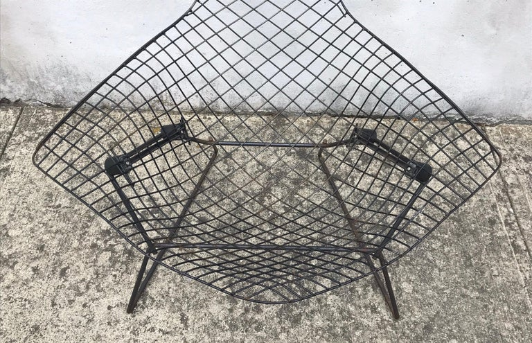 Mid-Century Modern Bird Chair in Black by Harry Bertoia for Knoll, Early 1950s In Good Condition For Sale In Bedford Hills, NY