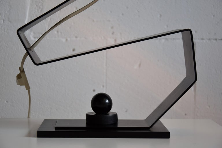 Mid-Century Modern Black and White Table Desk or Nightstand Lamp For Sale 2