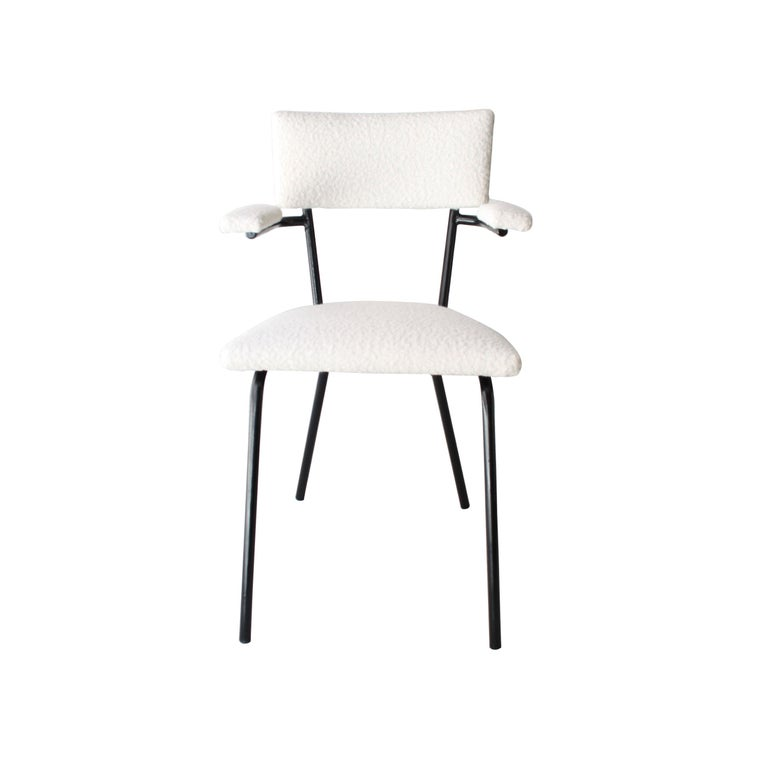 Mid-Century Modern Black Lacquered Iron and White Bouclé Italian Chairs, 1960 In Good Condition For Sale In Madrid, ES