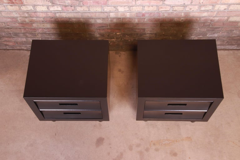 Mid-Century Modern Black Lacquered Nightstands, Newly Refinished For Sale 4
