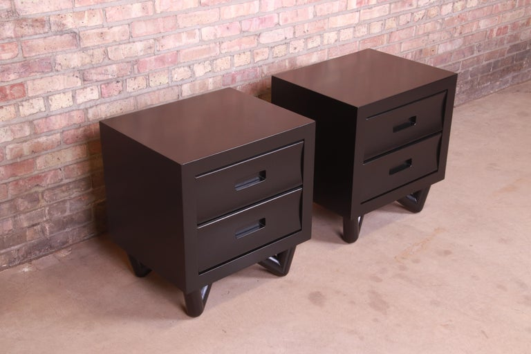 20th Century Mid-Century Modern Black Lacquered Nightstands, Newly Refinished For Sale