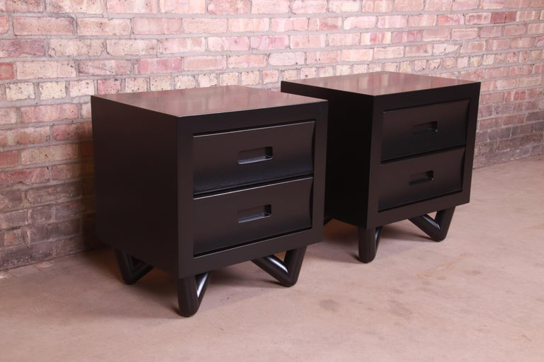 Walnut Mid-Century Modern Black Lacquered Nightstands, Newly Refinished For Sale