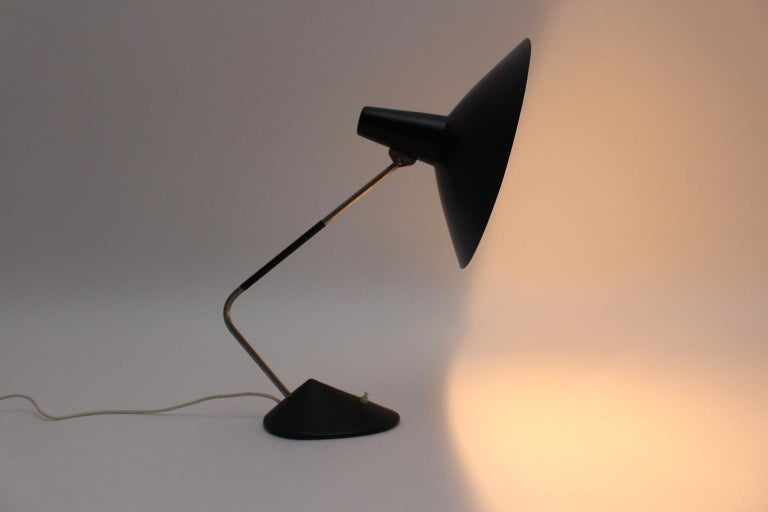 Mid-Century Modern Black Vintage Metal Table Lamp by Stilnovo, 1950s, Italy For Sale 4