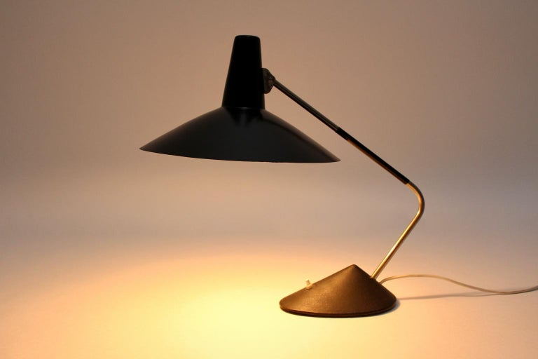 Mid-Century Modern Black Vintage Metal Table Lamp by Stilnovo, 1950s, Italy For Sale 2