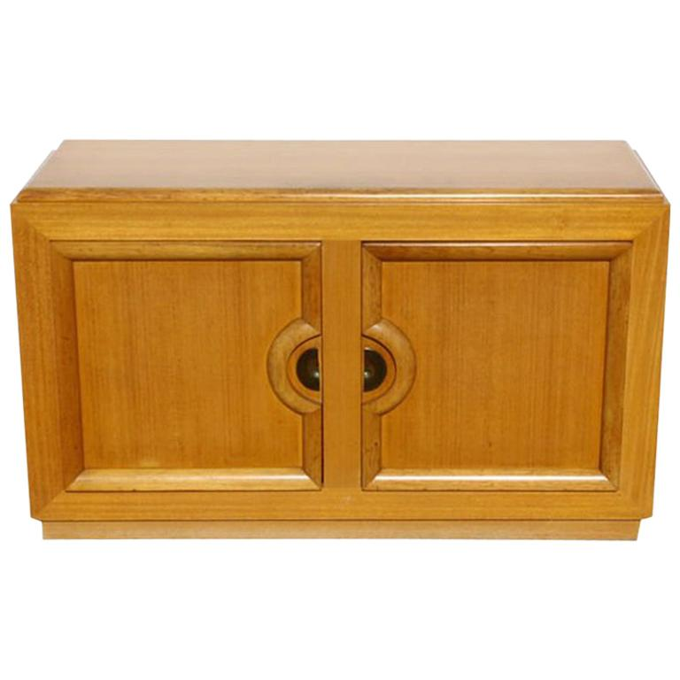 Mid-Century Modern Blond Sideboard Cabinet Attributed to Paul Laszlo For Sale