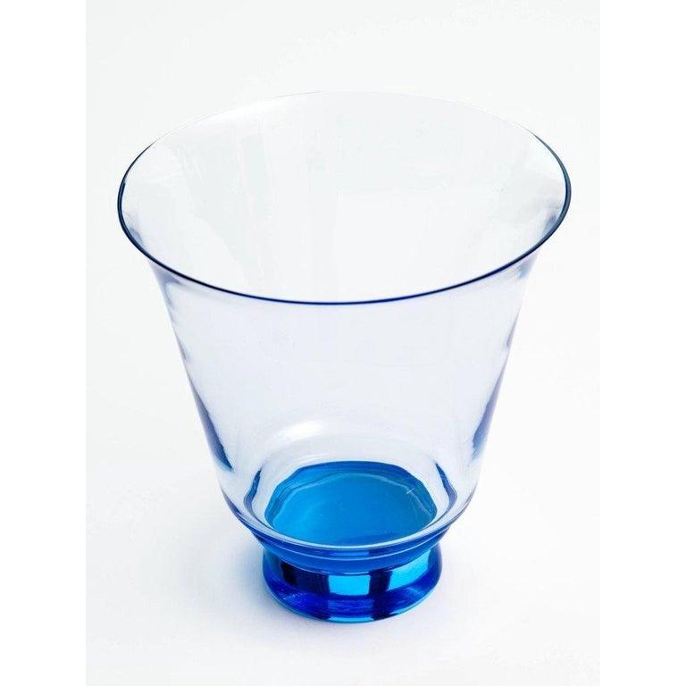 American Mid-Century Modern Blown Glass Vase in Alexandrite Blue For Sale