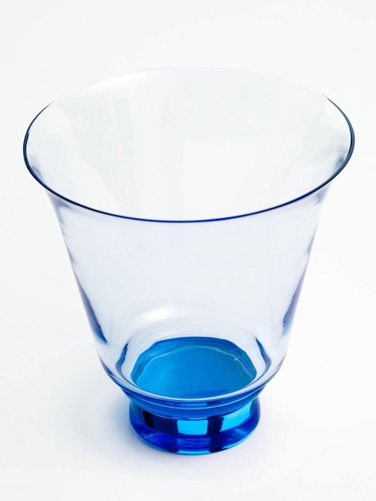 Hand-Crafted Mid-Century Modern Blown Glass Vase in Alexandrite Blue For Sale