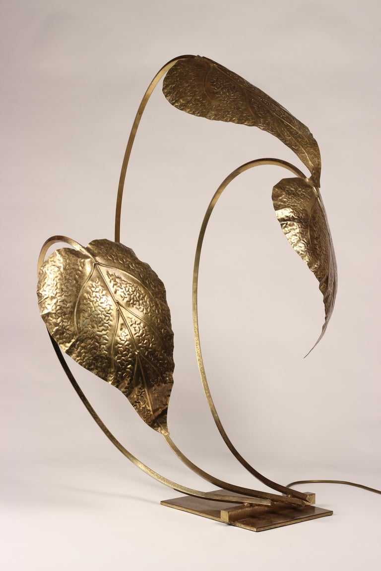 Mid-Century Modern Brass Italian Leaf Light by Tommaso Barbi, 1970s In Good Condition For Sale In London, GB