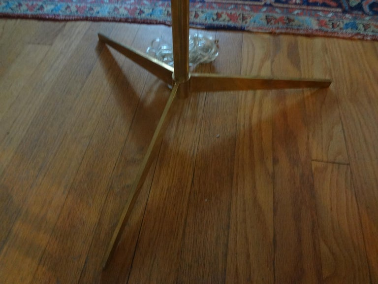 Mid-Century Modern Brass Tripod Floor Lamp In Good Condition In Houston, TX