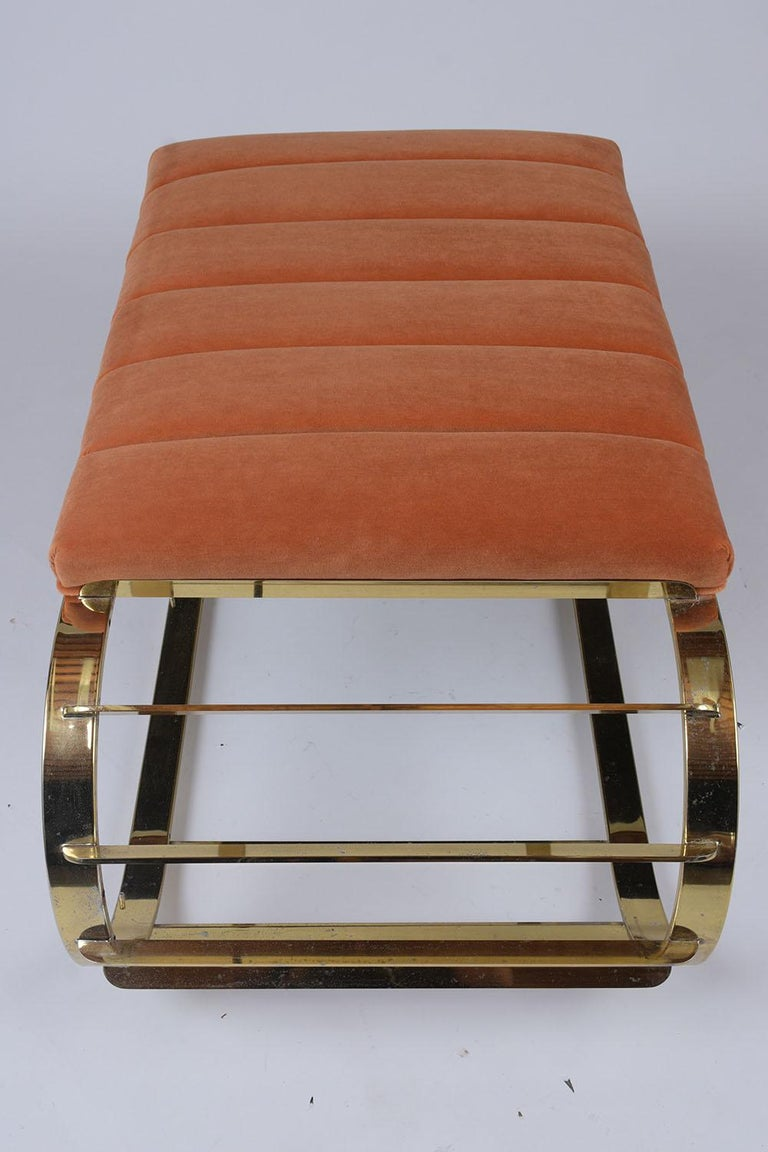 Mid-Century Modern Brass Tufted Channel Bench In Good Condition For Sale In Los Angeles, CA