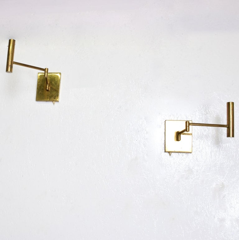 Patinated Mid-Century Modern Brass Wall Sconces, After Lightolier For Sale