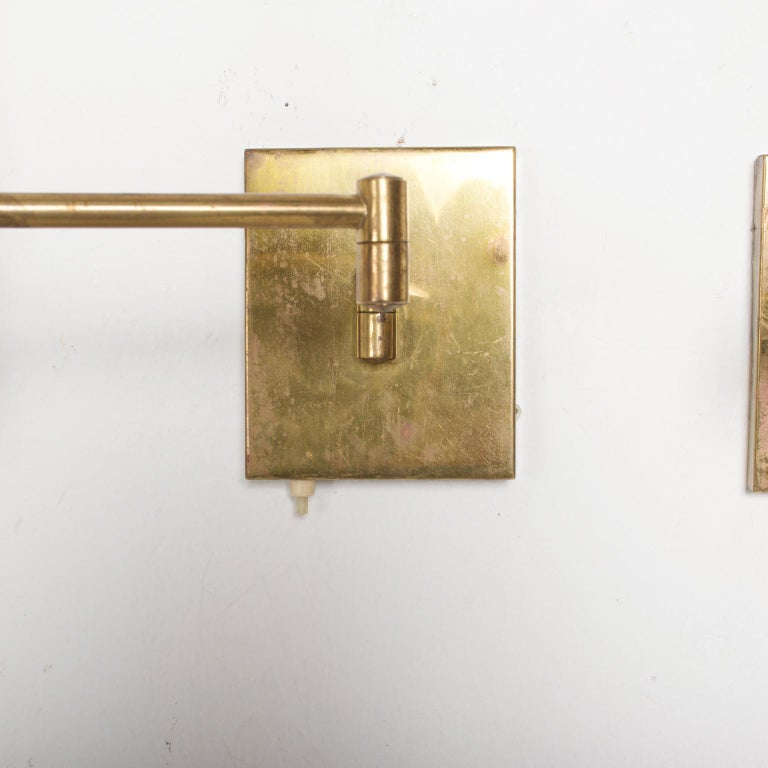Mid-Century Modern Brass Wall Sconces, After Lightolier For Sale 2