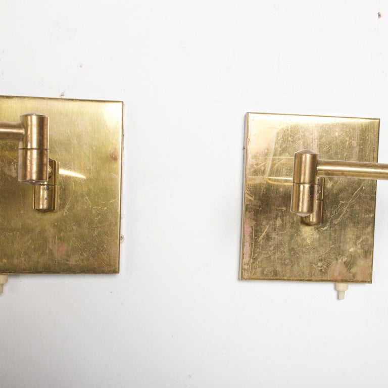 Mid-Century Modern Brass Wall Sconces, After Lightolier For Sale 3