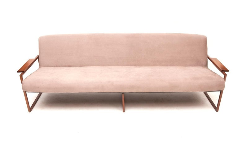 Mid-20th Century Mid-Century Modern Brazilian Couch by Percival Lafer For Sale