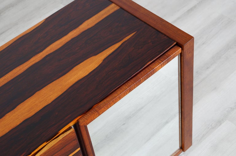 Mid-Century Modern Brazilian Rosewood Credenza For Sale 6