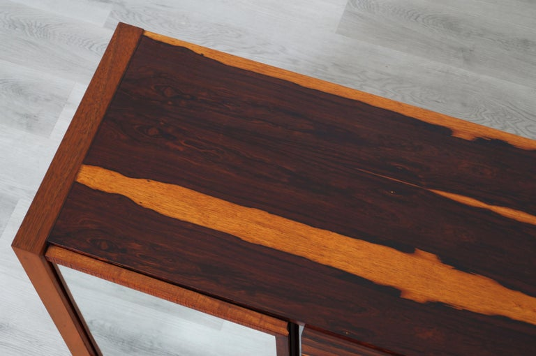 Mid-Century Modern Brazilian Rosewood Credenza For Sale 7