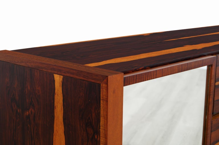 Mid-Century Modern Brazilian Rosewood Credenza For Sale 3