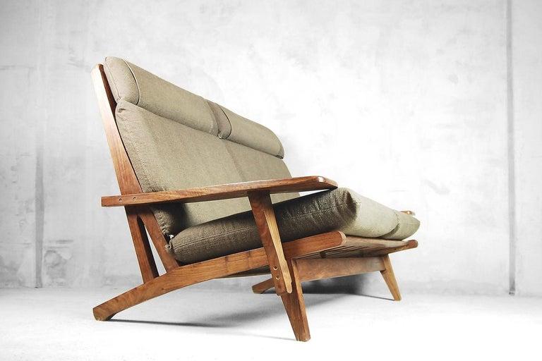 Mid-20th Century Mid-Century Modern Brazilian Zoomorphic Vintage Sofa with Headrest, 1960s For Sale
