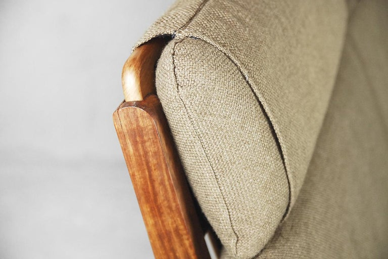 Mid-Century Modern Brazilian Zoomorphic Vintage Sofa with Headrest, 1960s For Sale 3