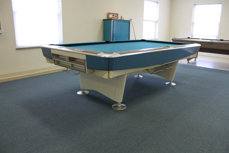 Lacquered Mid-Century Modern Brunswick Gold Crown I Billiards Pool Table with Blue Aprons For Sale