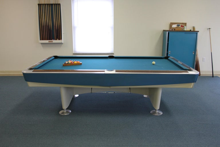 Mid-Century Modern Brunswick Gold Crown I Billiards Pool Table with Blue Aprons In Good Condition For Sale In St. Louis, MO