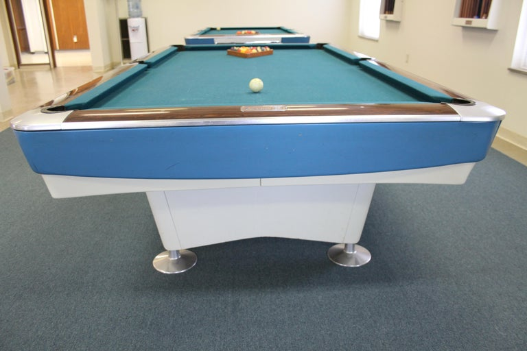 Mid-Century Modern Brunswick Gold Crown I Billiards Pool Table with Blue Aprons For Sale 2